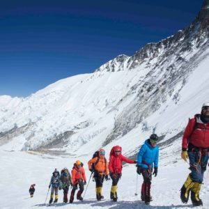 Checking in with Everest: About Ueli, Messner, Logistics and Tracking (Interview)
