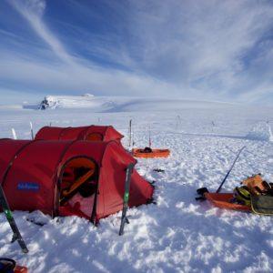 PolarExplorers Team Traverses Iceland's Vatnajökull