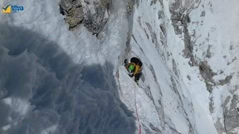 Zsolt Torok climbing on Pumori SE face