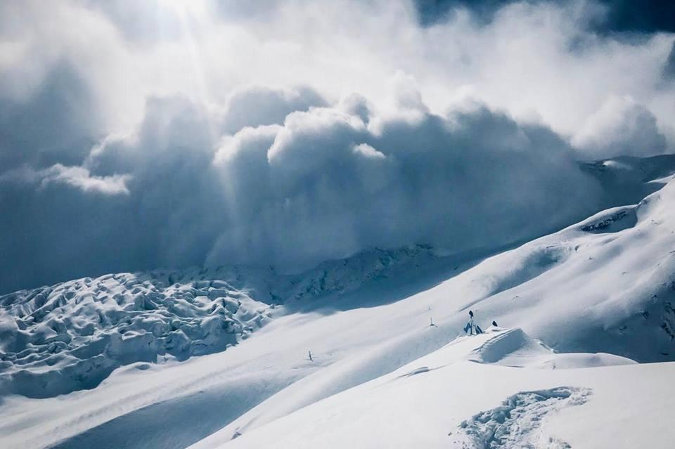 Avalanche winter Manaslu Simone Moro