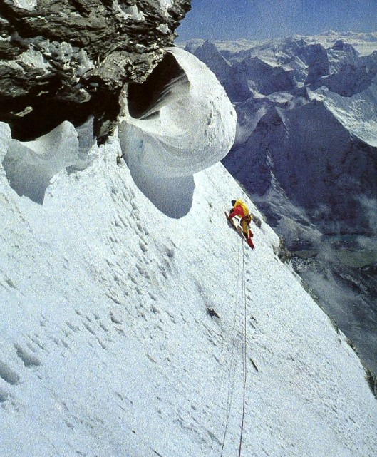 Profit and béghin, alpine style on the South Face of Lhotse in 1009