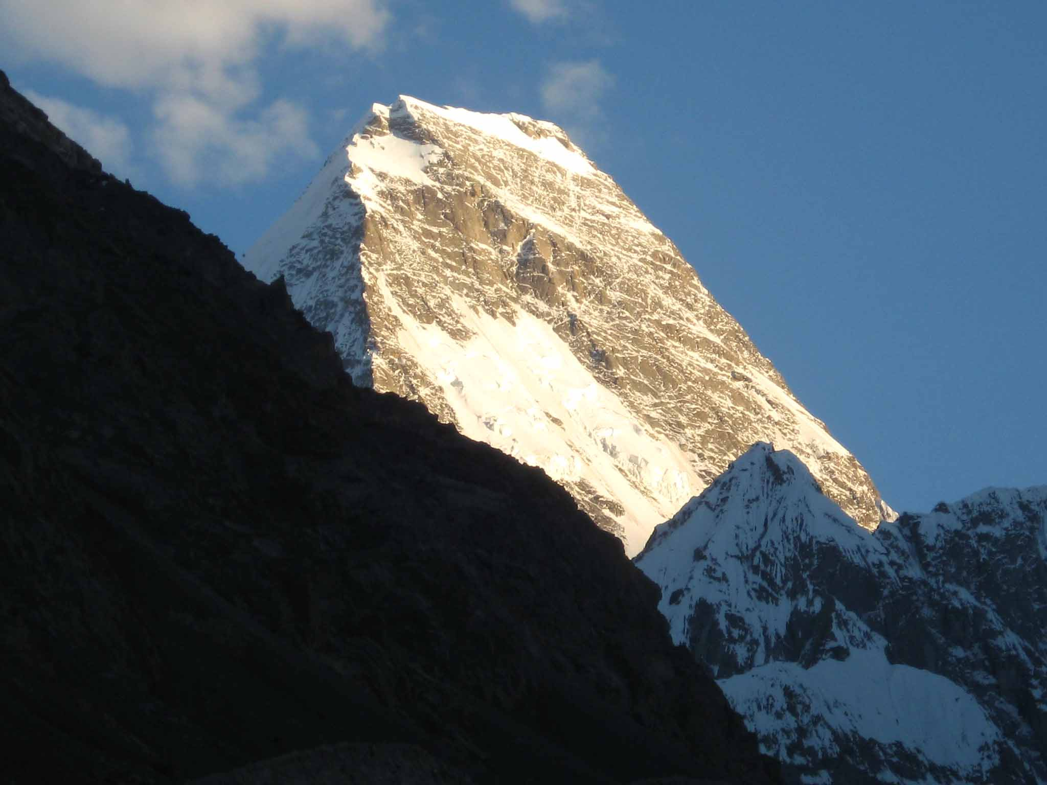 Five Rescued In Pakistan After Crevasse Mishap