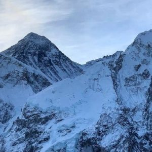 Everest: Two Climbers Die on Descent