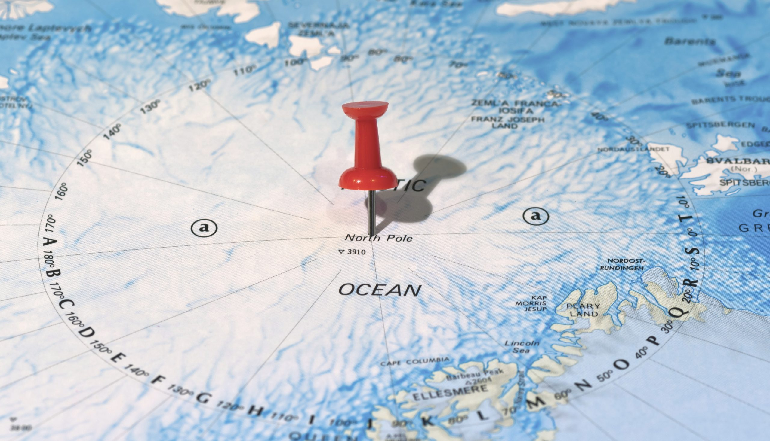 Newcomers' Guide: North Pole vs South Pole Expeditions » Explorersweb