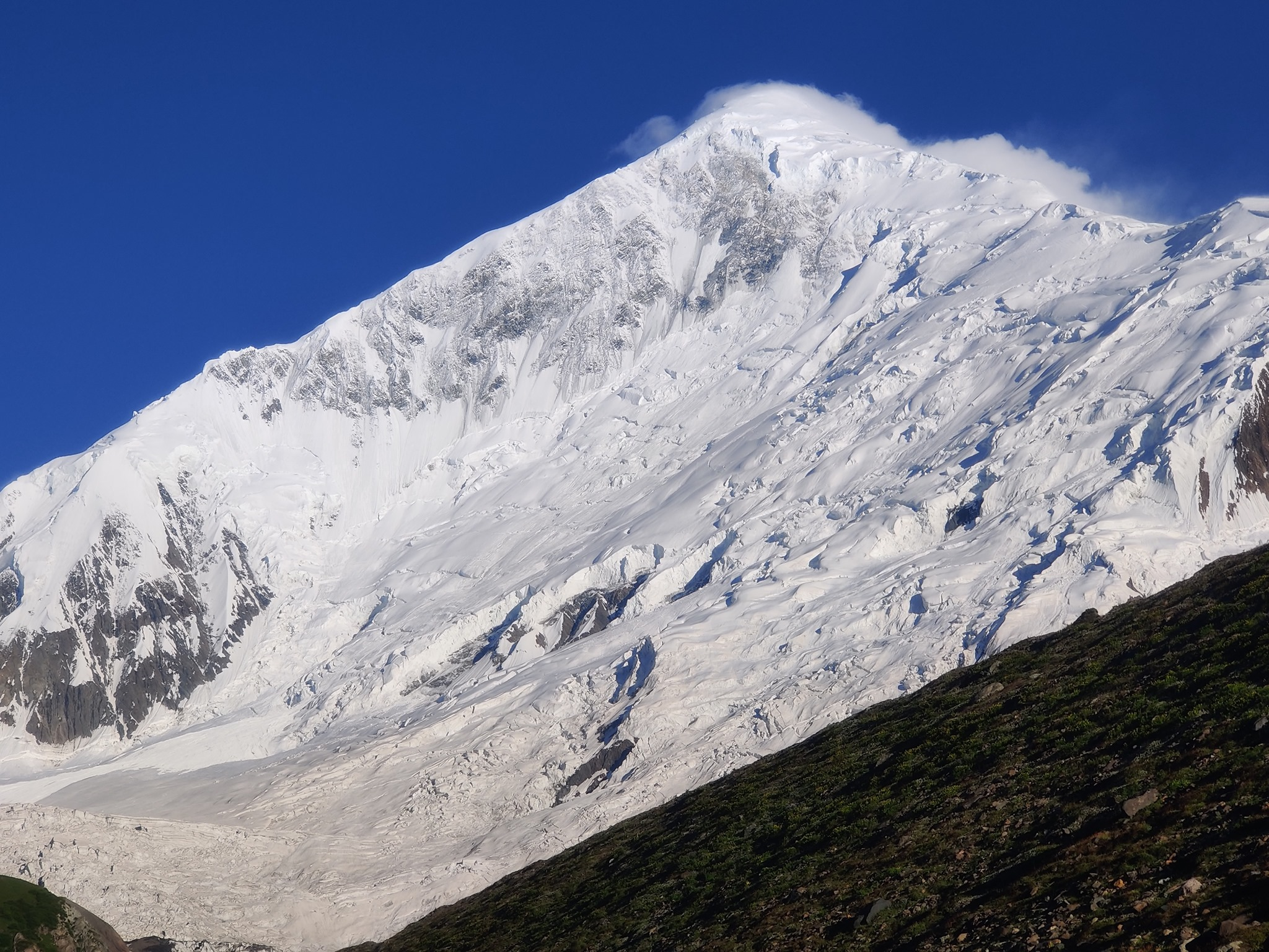 Diran, a snowy pyramid