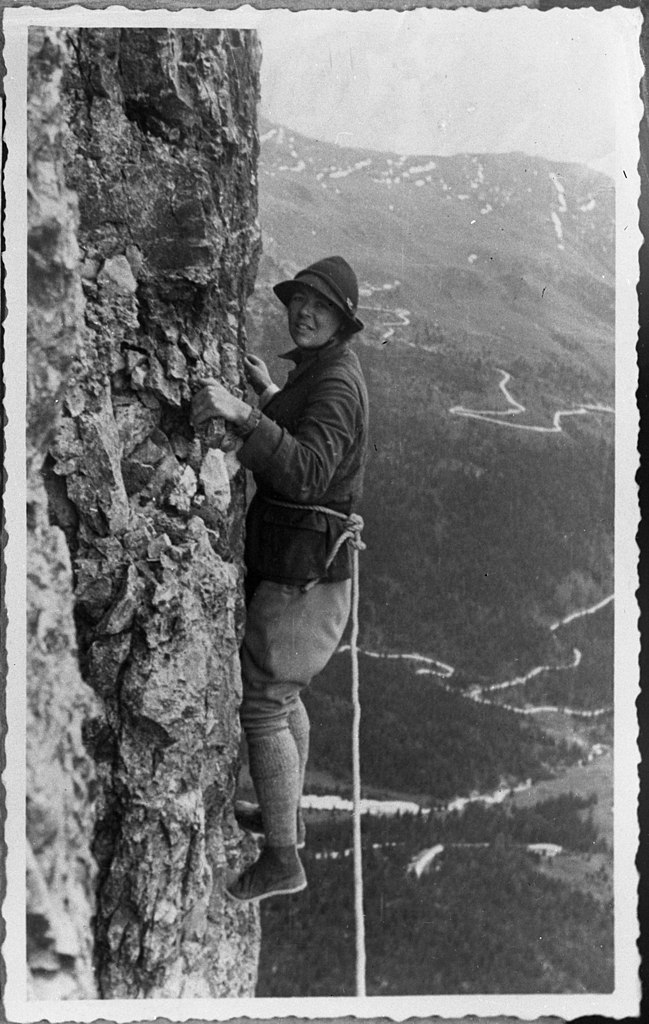 old-school rock climbing in the Dolomites