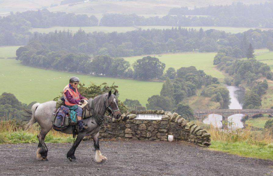 80 year old rides 1000km on horseback